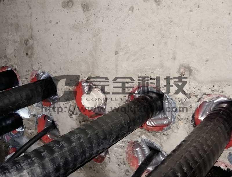 管道电缆敷设与密封处理