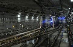 地铁配电房地下室管道封堵方案