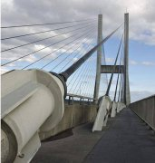 大跨径斜拉索桥梁下锚端将军帽下防水处理